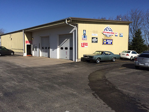 Auto and Car Shop in Neenah and Seymour [stateabbr]